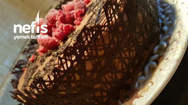 Dantel Kenar Yaş Pasta(Görsel Şölen)