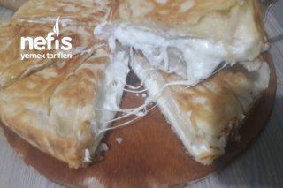 Dışı Kıtır İçi Akışkan Peynirli Börek Tarifi