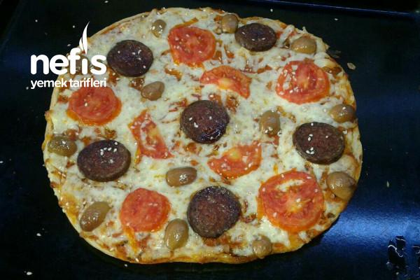 Ramazan Pidesinden Pratik Sahurluk Pizza Tarifi