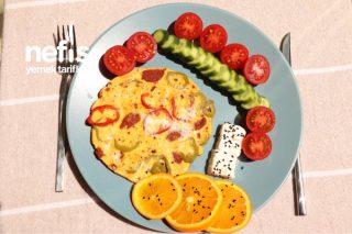 Sucuklu Omlet Fit Kahvaltı Menü Tabağı Tarifi