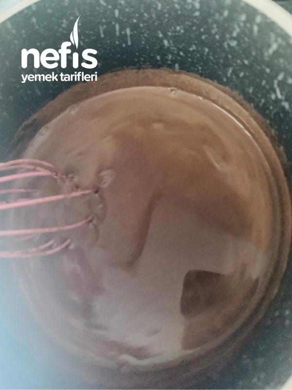 Tartolet Kalıbında Çikolatalı Kek
