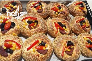 Sahura Sıcacık Mis Gibi Simit Pizza Tarifi