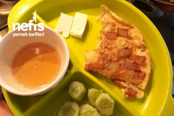 Yumurtalı Patates Kavurması (2-3 Yaş Çocuklara Kahvaltı Tabağı) Tarifi