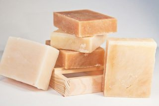 Kükürtlü Sabunun Cilt Saç İçin 6 Faydası Tarifi
