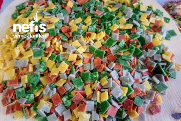 Sebzeli Rengarenk Erişte