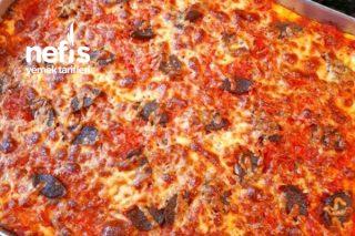 Sosuyla Değişik Bir Lezzet Pizza Tarifi