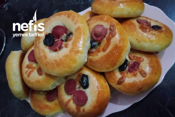 Yumuşacık Mini Pizza Tarifi