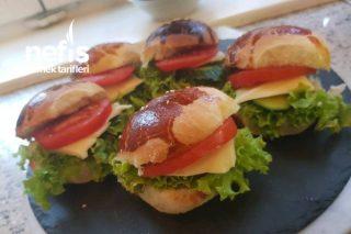 Yumuşacık Kahvaltılık Poğaçalar (Sandviç) Tarifi