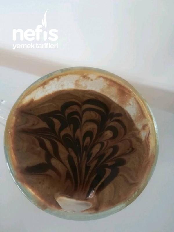 Köpüklü Kahve (Dalgona)