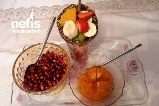 Enfes Sunumlu Meyve Salatası Tarifi