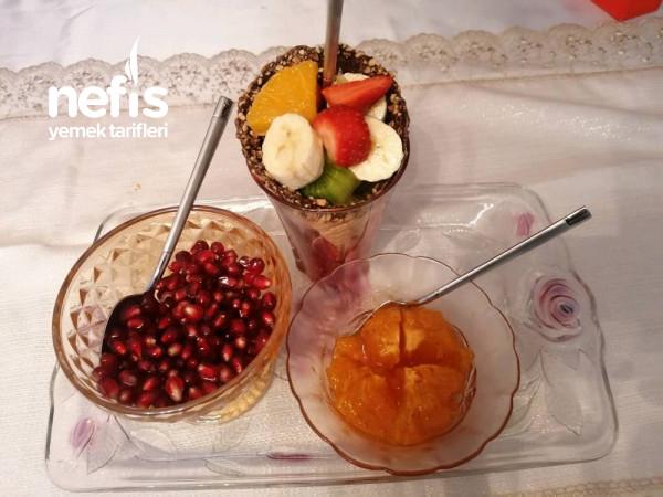 Enfes Sunumlu Meyve Salatasi