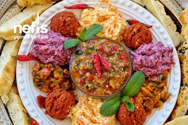 Muhteşem Meze/Salata Tabağı Tarifi