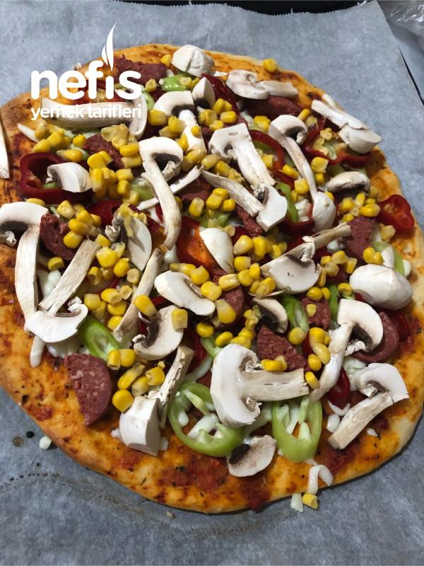 Ev Yapımı Pratik Pizza