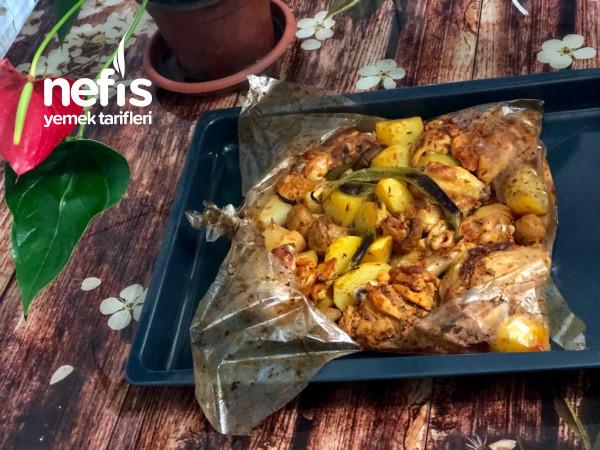 Lokum Gibi Fırın Poşetinde Sebzeli Tavuk