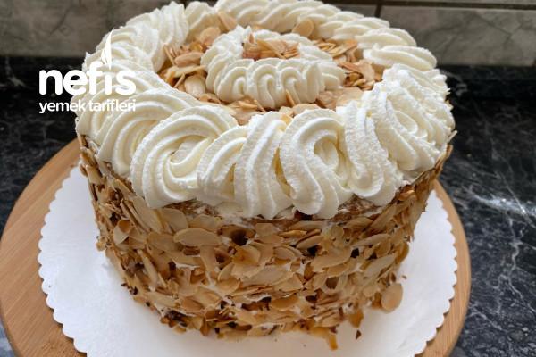 Pastaneden Alınmış Gibi Bademli Yaş Pasta (mutlaka deneyin)(videolu) Tarifi
