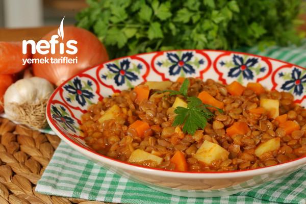 Hazırlaması Kolay Sebzeli Yeşil Mercimek Yemeği (videolu) Tarifi
