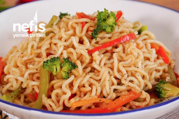 Yeni Favorimiz Sebzeli Noodle (videolu) Tarifi