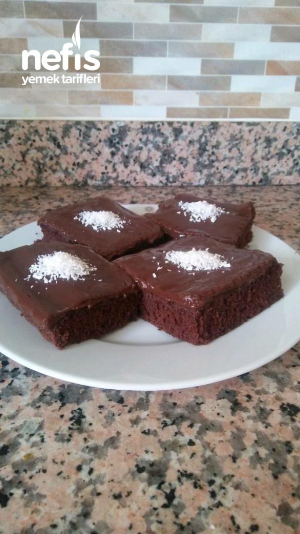Kakaolu Pudingli Kek