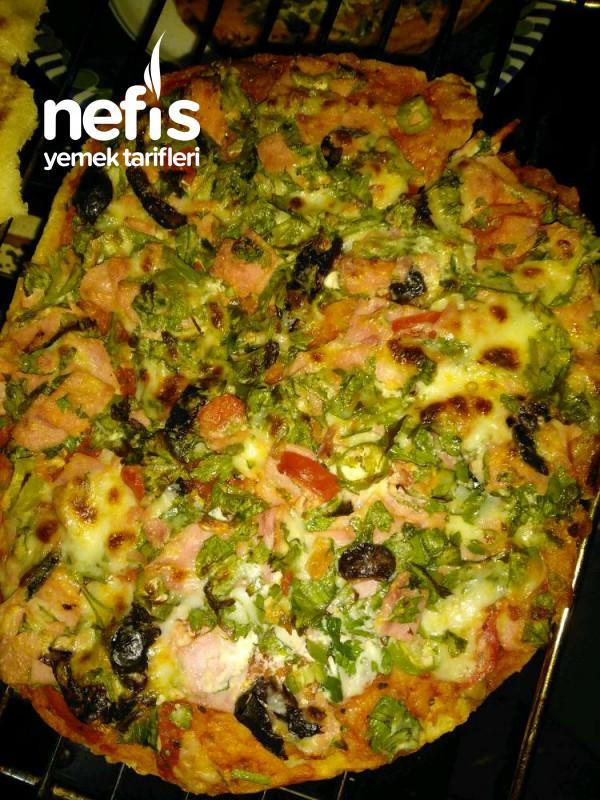 Ev Yapımı Bazlama'dan Yumuşak Pizza