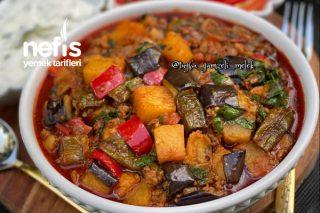 Sebzeli Kıymalı Enfes Patlıcan Musakka Tarifi