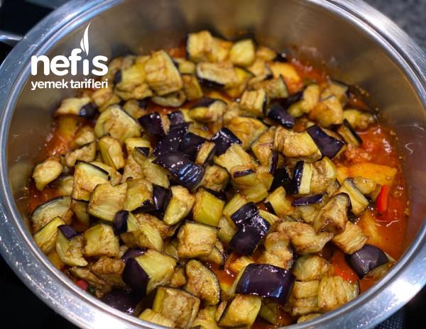 Sebzeli Kıymalı Enfes Patlıcan Musakka