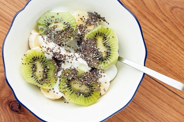 chia tohumlu yoğurt