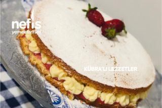 Çilek Soslu Kremalı Pasta (Harika) Tarifi