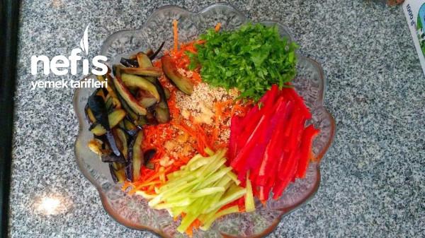 Patlıcanlı Havuç Salatası (Kore Mutfağı)