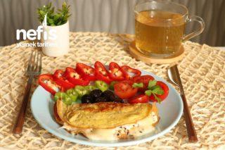 Peynirli Omlet Sandviç Tarifi