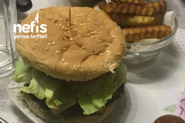 Az Malzemeli Lezzetine Doyum Olmayan Burger Tarifi