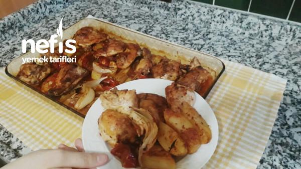 Fırında Pratik Tavuk Patates Yemeği (Videolu)