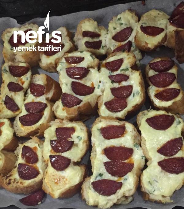 Sucuklu Ekmekler(bayat Ekmekleri Değerlendirelim)