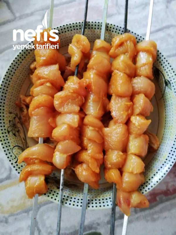 İran Usülü Zerdeçalı Tavuk Şiş Ve Kanat