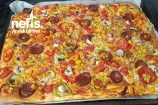 Pizza (2 Tepsilik) Tarifi