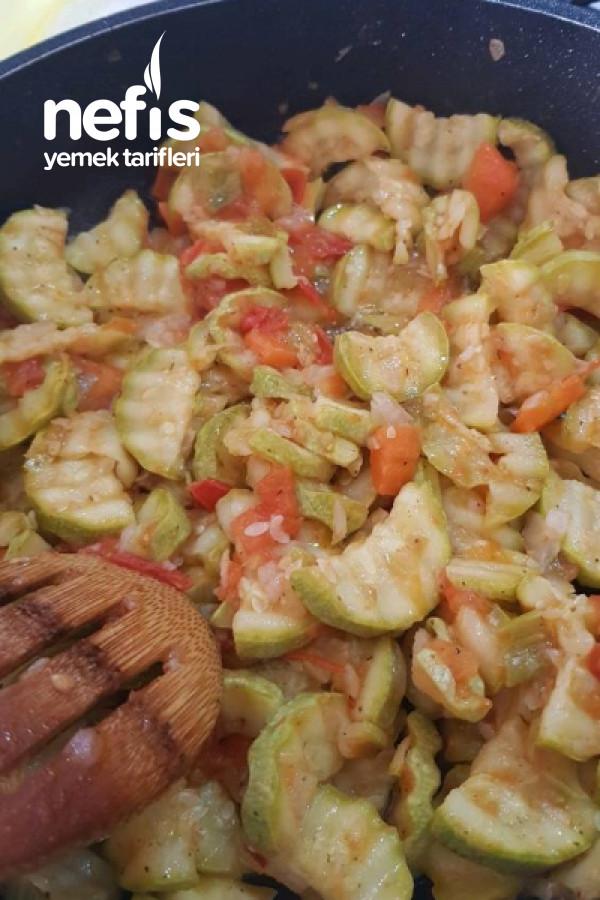 Zeytinyağlı Kabak Yemeği