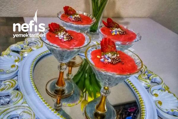 Çilek Soslu Haşhaşlı Muhallebi Tarifi