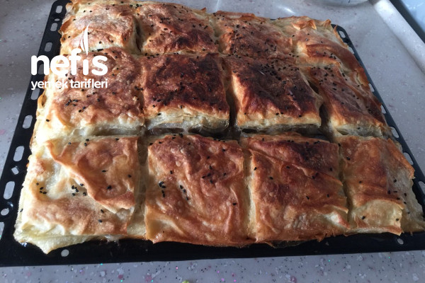 Maden Sulu Patlıcanlı Börek Tarifi