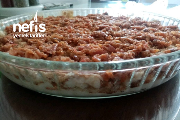İrmikli Bisküvili Elmalı Tarçınlı Pasta Tarifi