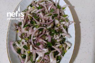 Soğan Salatası (Kebapçı Salatası) Tarifi