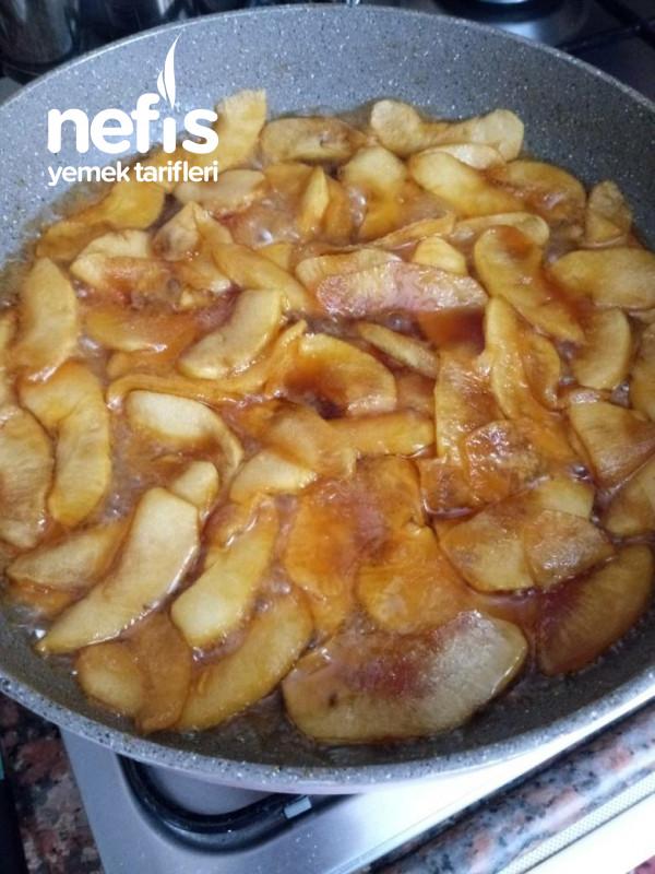 Karamelize Elmalı Kek