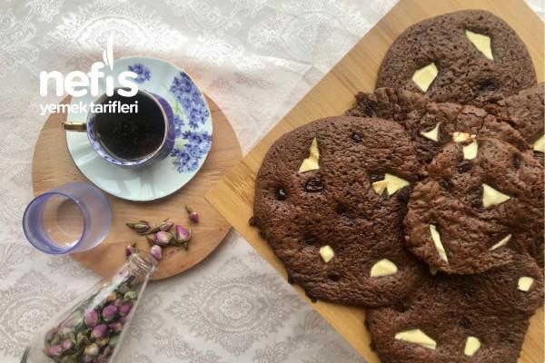 Triple Chocolate Cookies (3 Çikolatalı Kurabiye) Tarifi