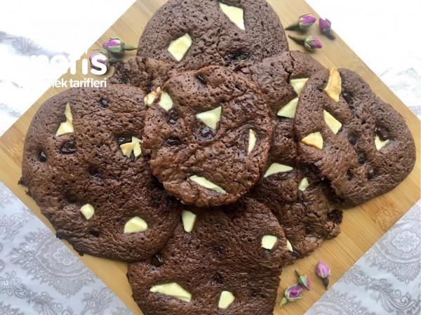 Triple Chocolate Cookies (3 Çikolatalı Kurabiye)