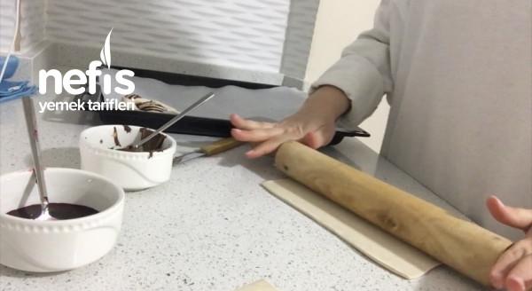 2 Malzemeli Çikolatalı Milföy Çörekler