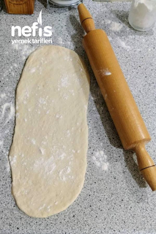 Sucuklu Peynirli Kıymalı Mantarlı Kaşarlı Pide