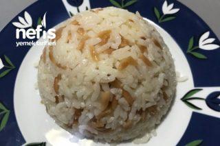 Arpa Şehriyeli Pirinç Pilavı Tarifi