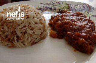 Domates Soslu Biftek ve Şehriyeli Basmati Pirinç Pilavı Tarifi