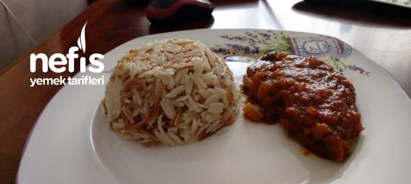 Domates Soslu Biftek ve Şehriyeli Basmati Pirinç Pilavı