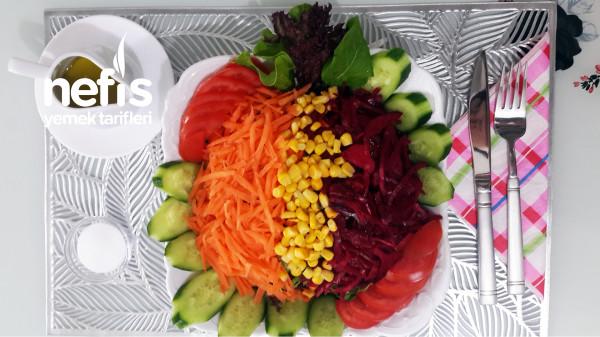 Restoran Usulü Mevsim Salata Nasıl Yapılır? (Videolu)