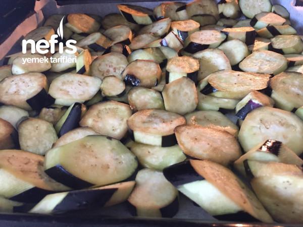 Yağ Çekmeyen Kıymalı Patlıcan Musakka