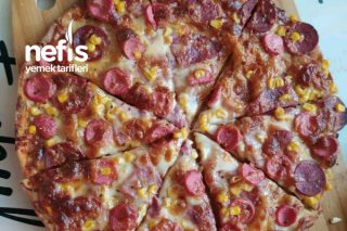 İtalyan Pizza Tarifi (İnce Hamur – Bol Mozerella)